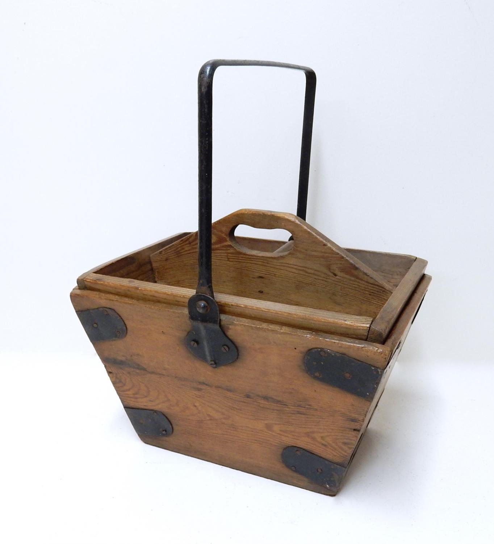 Housemaid's Bucket