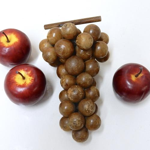 Treen Bunch of Grapes