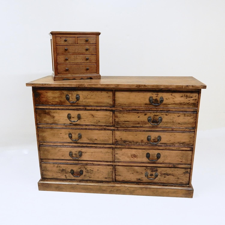 Multi-drawer Pine Base