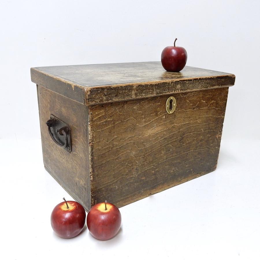 Antique Scumbled Box