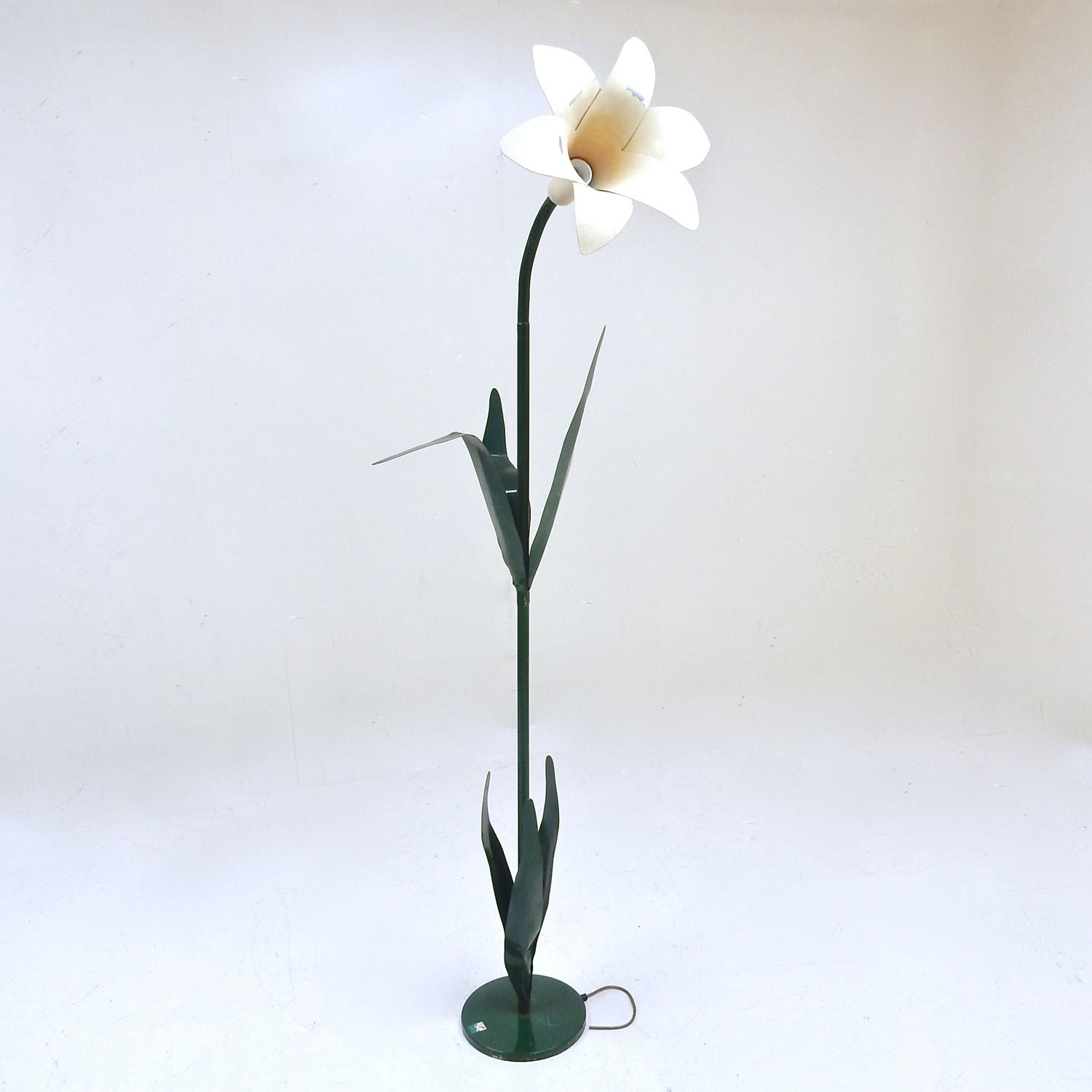 Michael Bliss Flower Lamp