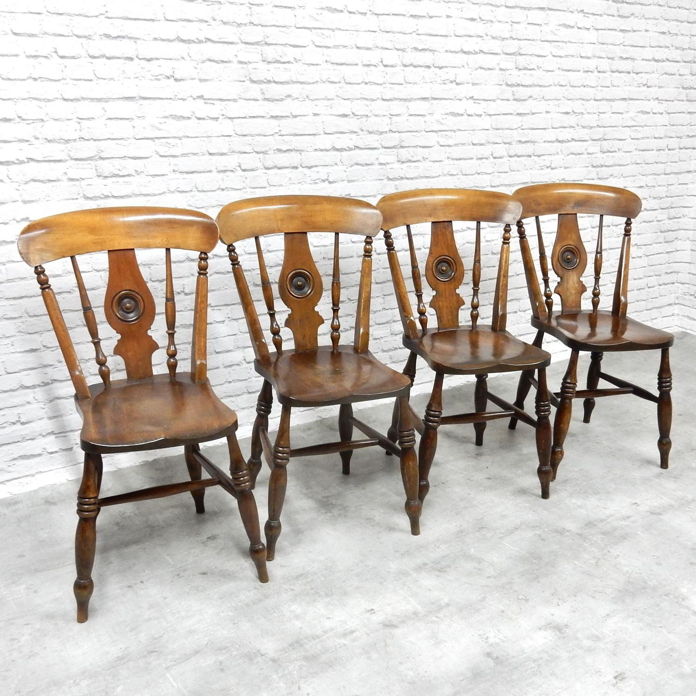 'Bullseye' Windsor Chairs