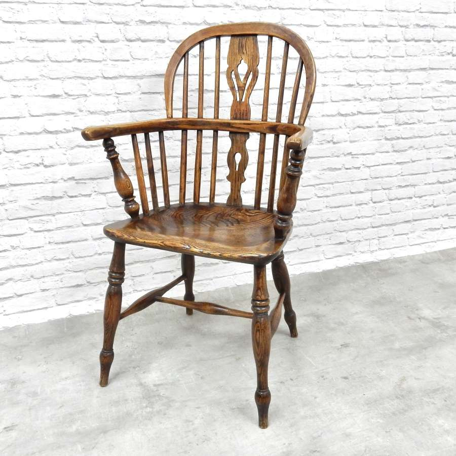 Antique Lowback C19th Windsor Armchair