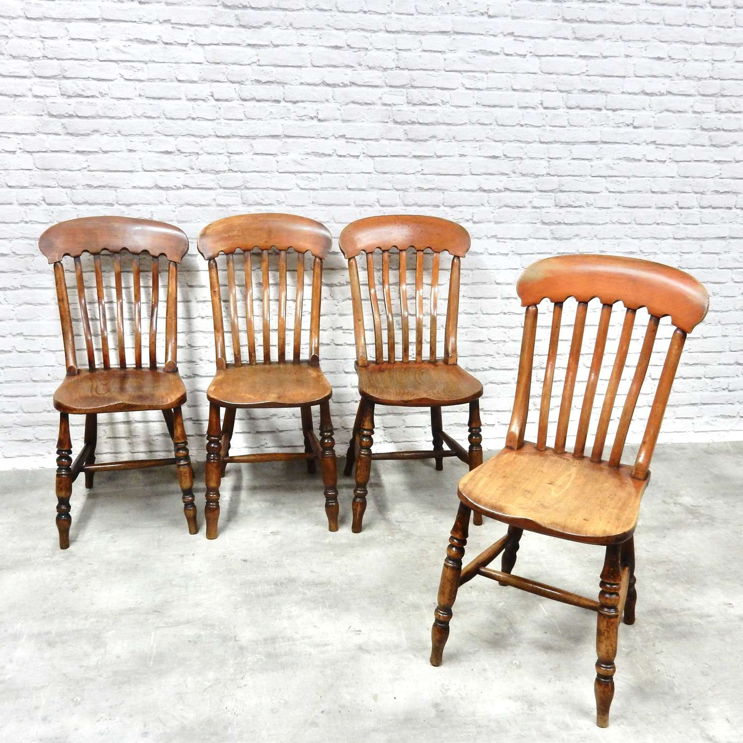 Set 4 Antique Windsor Chairs
