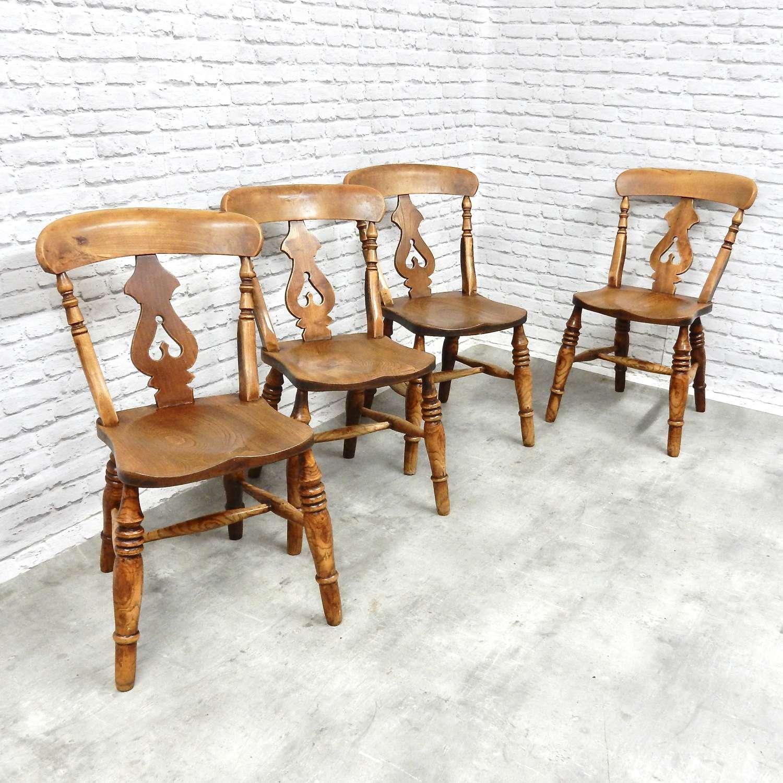 Windsor Lyreback Chair Set