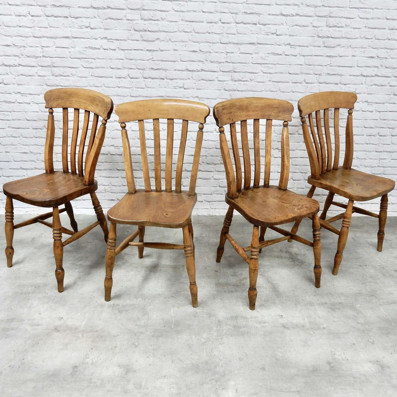 4x Windsor Kitchen Chairs