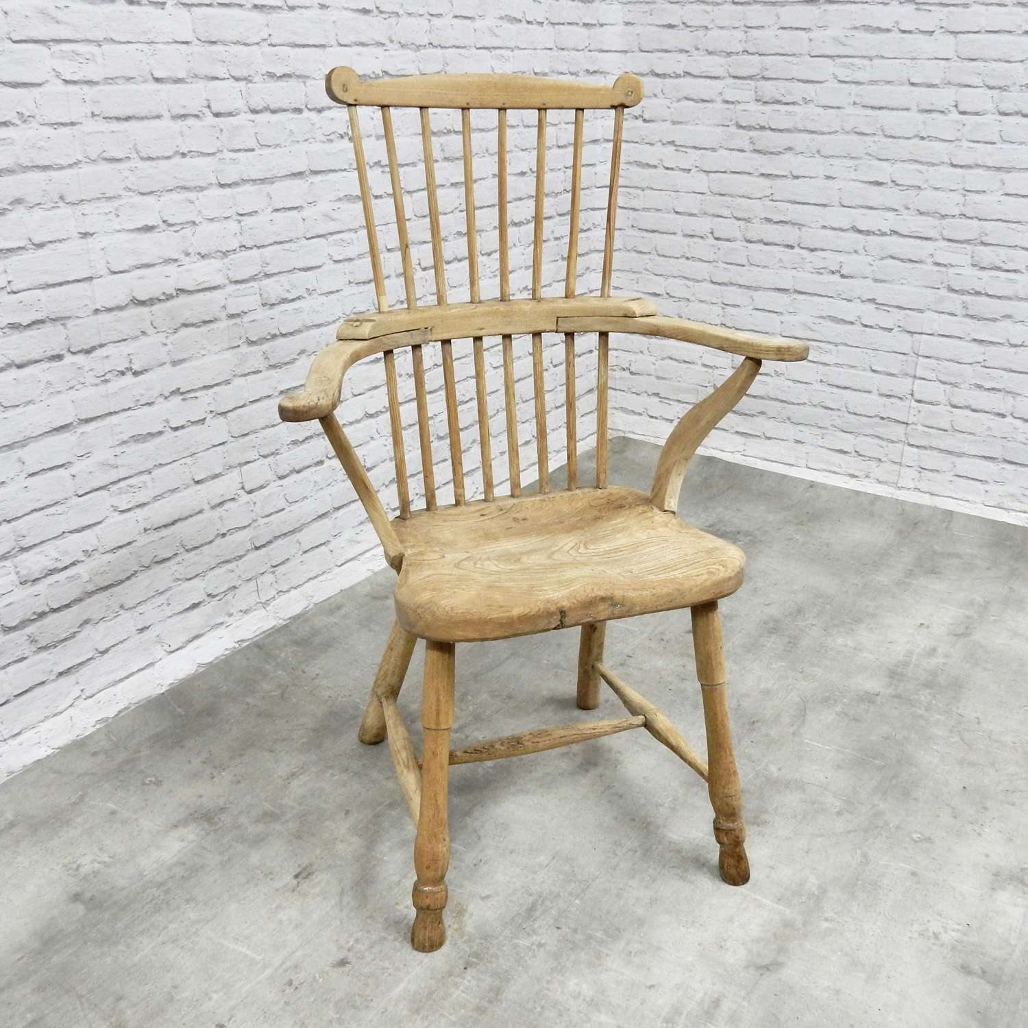 Small Comb Back Windsor Armchair