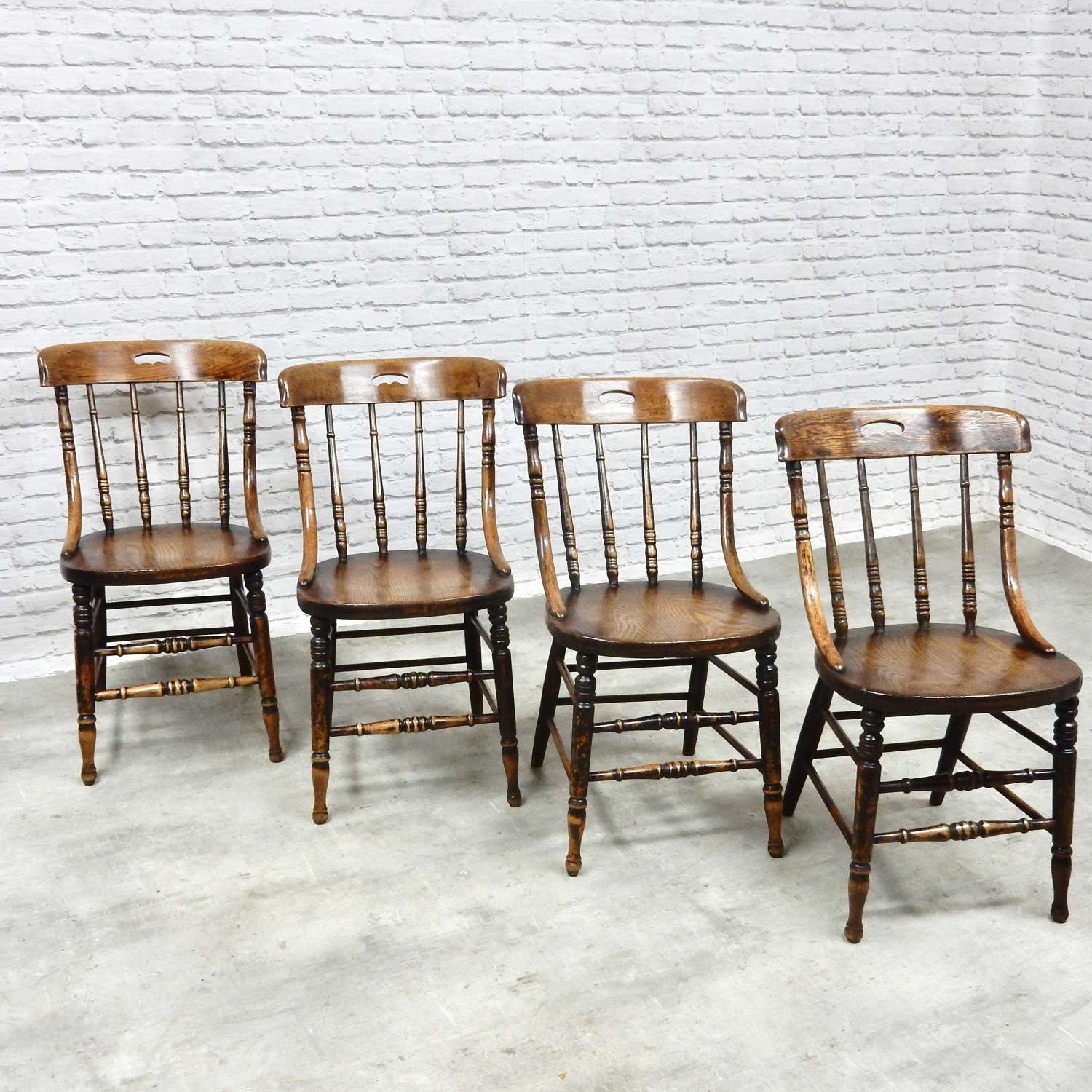 Set 4 Antique Country Kitchen Chairs