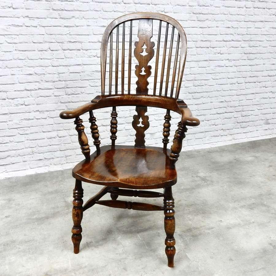 Large Broadarm Windsor Armchair