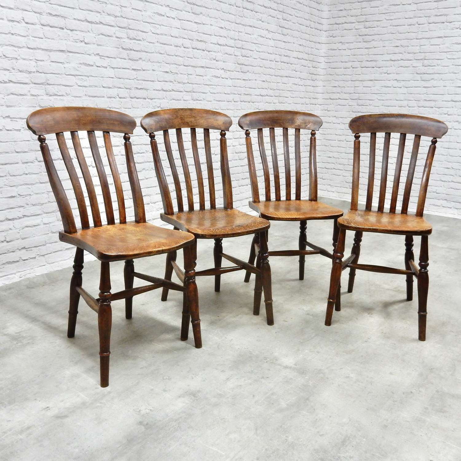 Set of 4 Windsor Kitchen Chairs