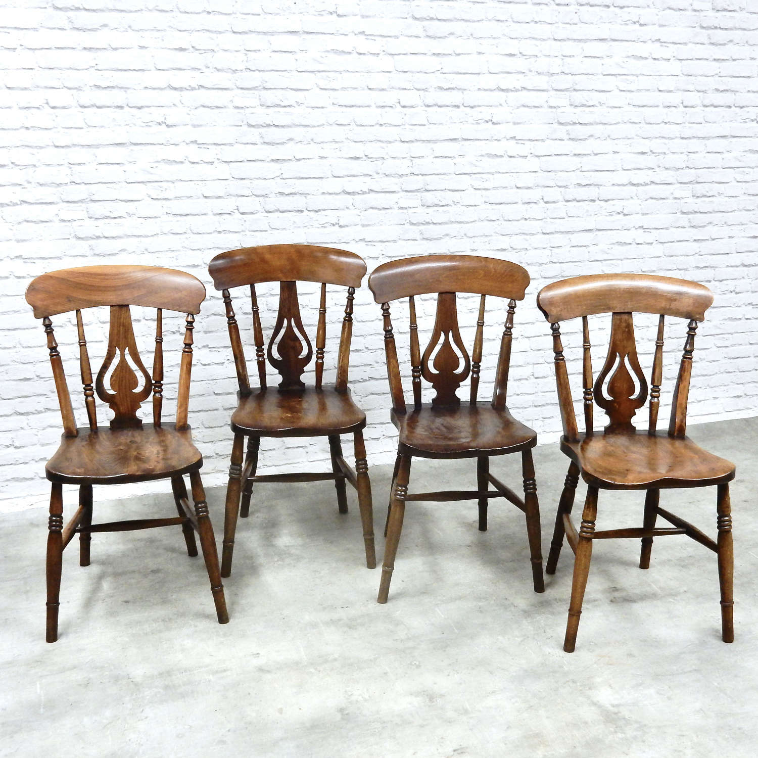 Set 4 Windsor Kitchen Chairs