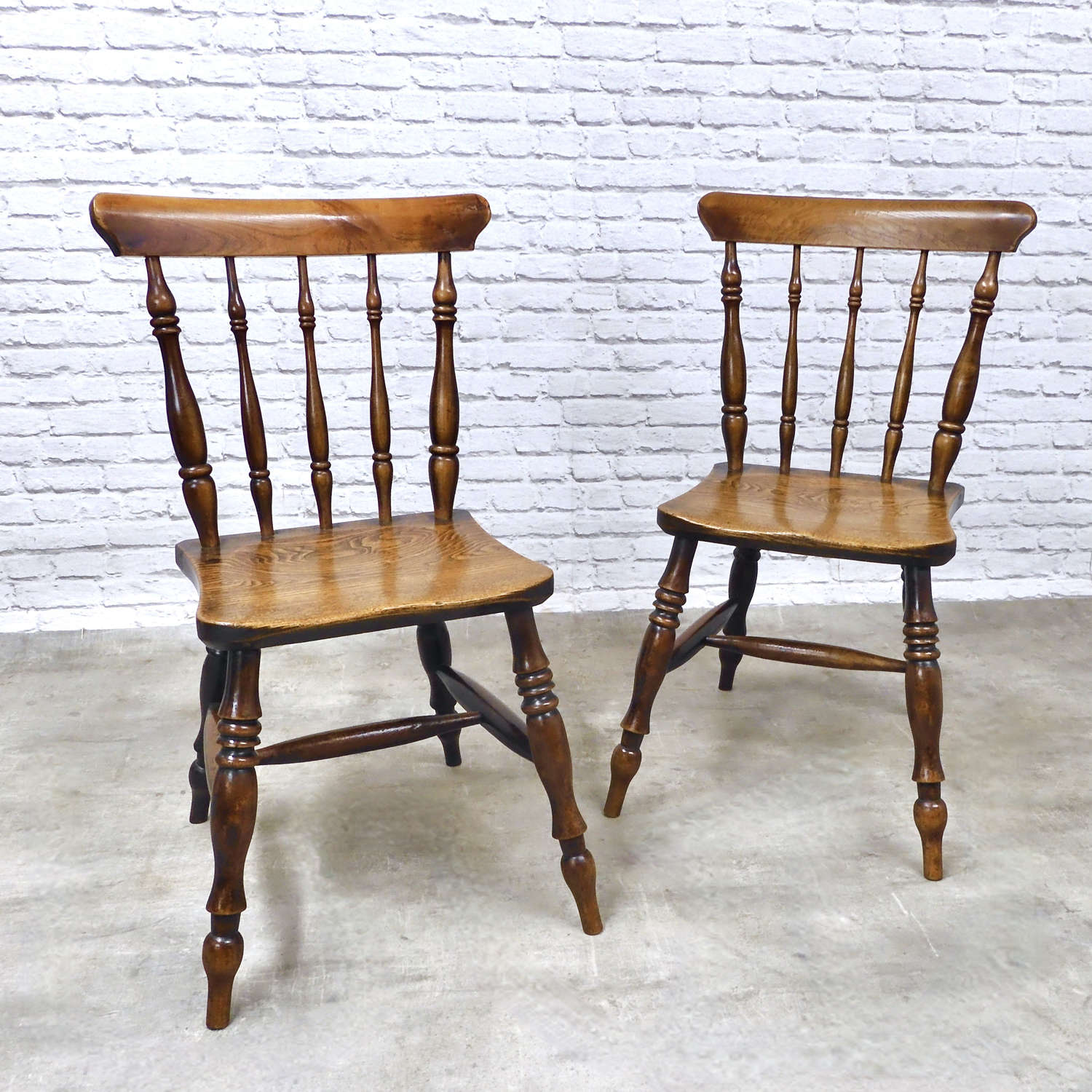 Superb Pair Windsor Chairs